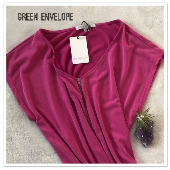 a5c0659d87ad8 Green Envelope Los Angeles - Sleeveless Blouse